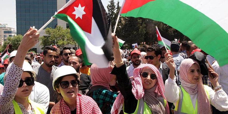Ürdün'de Göstericiler Meclisin de Feshini İstiyor!