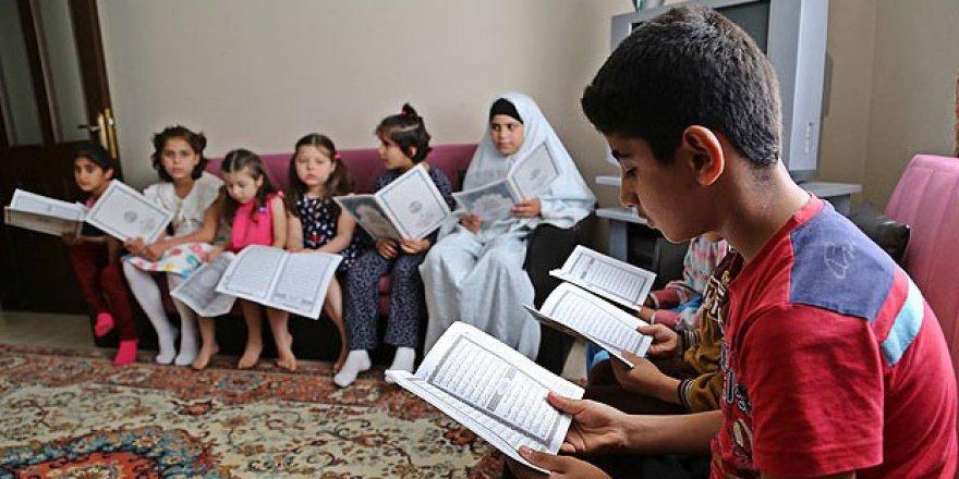 Türkiye'de 3 Milyon 583 Bin 434 Suriyeli Var
