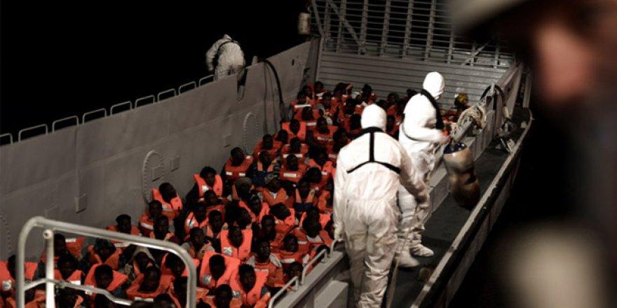 Avrupa'nın Utancı: 1400'ü Aşkın Göçmen Akdeniz'de Bekletiliyor
