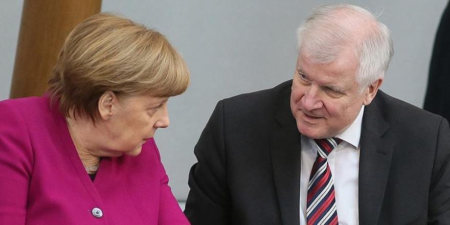 Almanya Hükümetinde Mülteci Çatlağı Büyüyor