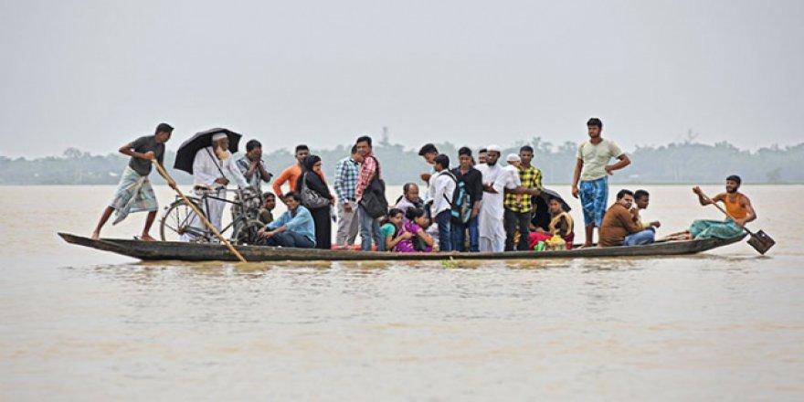 Hindistan'da 500 Bin Kişi Muson Yağmurlarından Olumsuz Etkilendi
