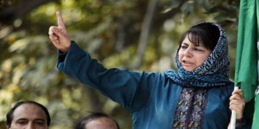Keşmir Başbakanı Mehbuba Mufti İstifa Etti