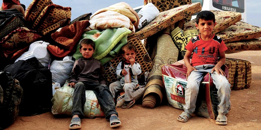 Güney Suriye'de Göç Dalgası Başladı