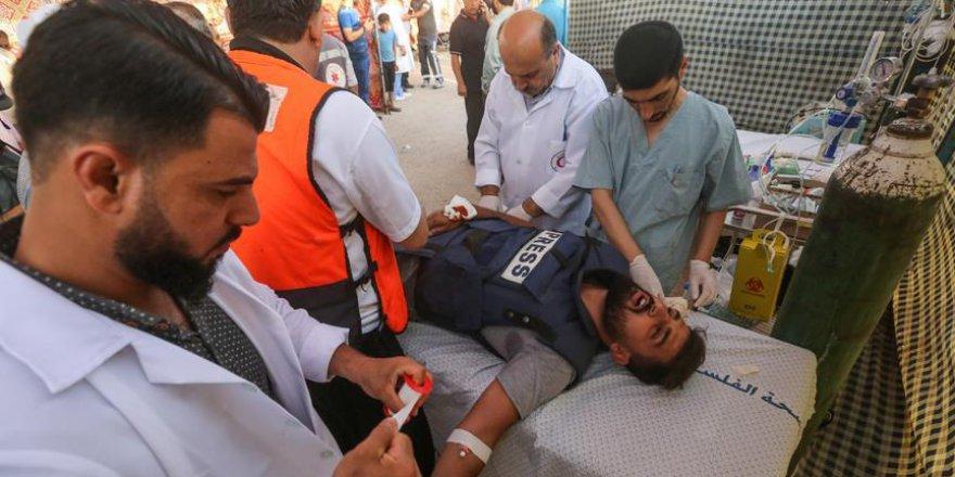 Siyonist İsrail Askerleri AA Foto Muhabirini Yaraladı