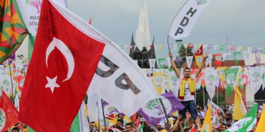 """Kürt Seçmenin Cezalandırdığı HDP'yi """"Mustafa Kemal'in Askerleri"""" Kurtardı!"""