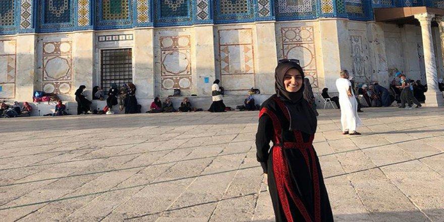 İşgalci İsrail Ebru Özkan'ı Gözaltında Tutmaya Devam Ediyor