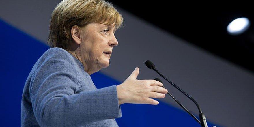 Merkel'den Hong Kong'daki Protestolara İlişkin Açıklama