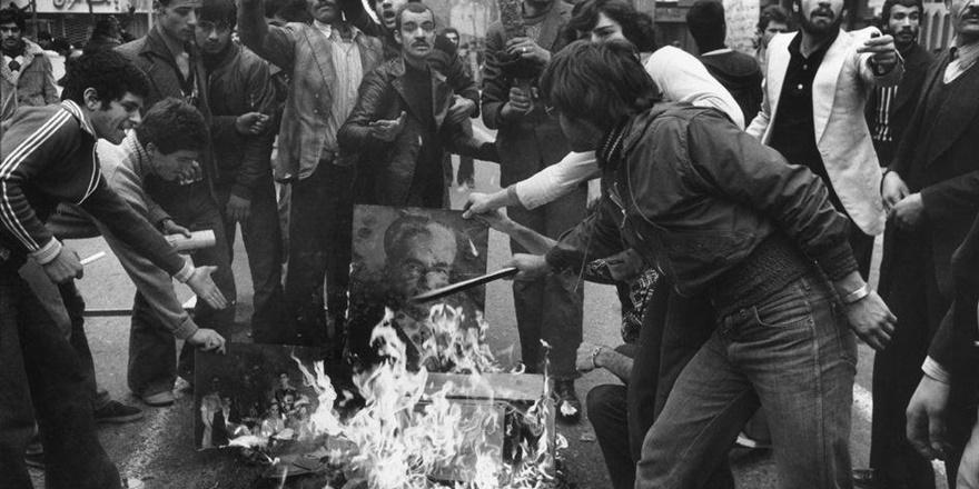 İran Geçmişte Yaşananlardan Niçin Ders Çıkarmıyor?