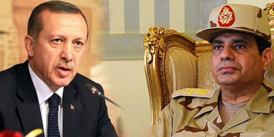 Sisi Demokrat Erdoğan Diktatör Öyle mi?