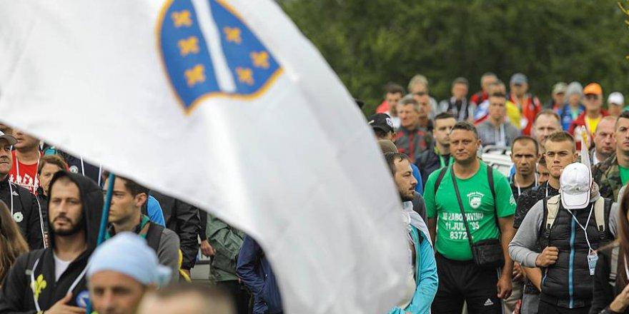 Srebrenitsa'ya 'Barış Yürüyüşü' Başladı