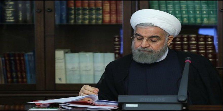 İran'da Sorunların Tek Müsebbi Ruhani Yönetimi mi?