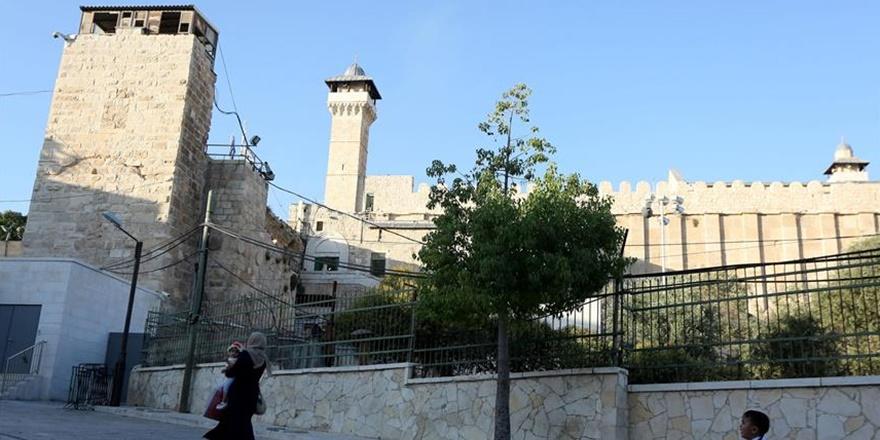 İşgalci İsrail Harem-i İbrahim Camisi'nde Ezanı 298 Kez Yasakladı!