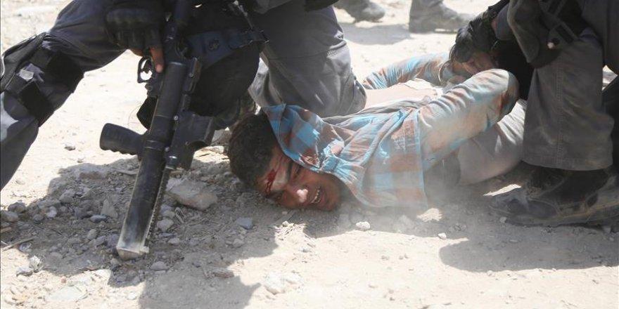 İşgal Devleti 6 Ayda 3 Bin 533 Filistinliyi Gözaltına Aldı