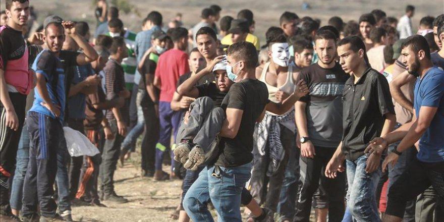 Siyonistler Gazze Sınırında 1 Filistinli Çocuğu Şehit Etti