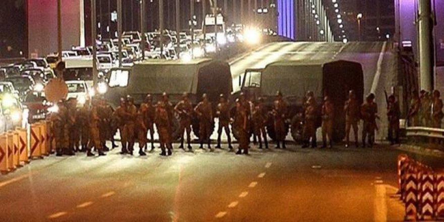 Darbe Gecesi Köprüdeki Erler...