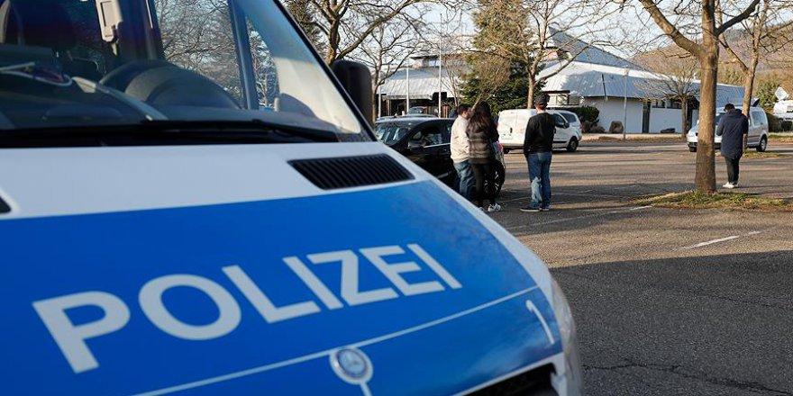 Almanya'da Otobüste Bıçaklı Saldırı: 8 Yaralı