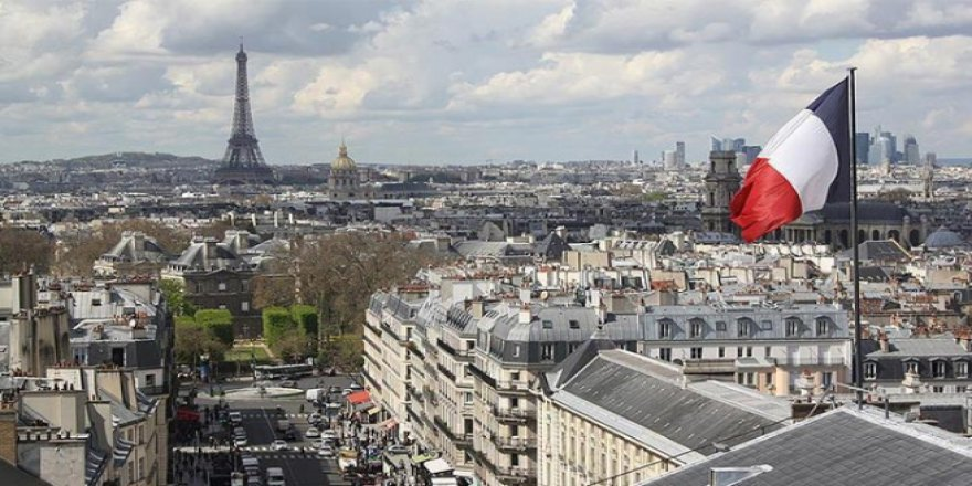 Fransa'da 18 Katlı Binada Yangın: Ölü ve Yaralılar Var