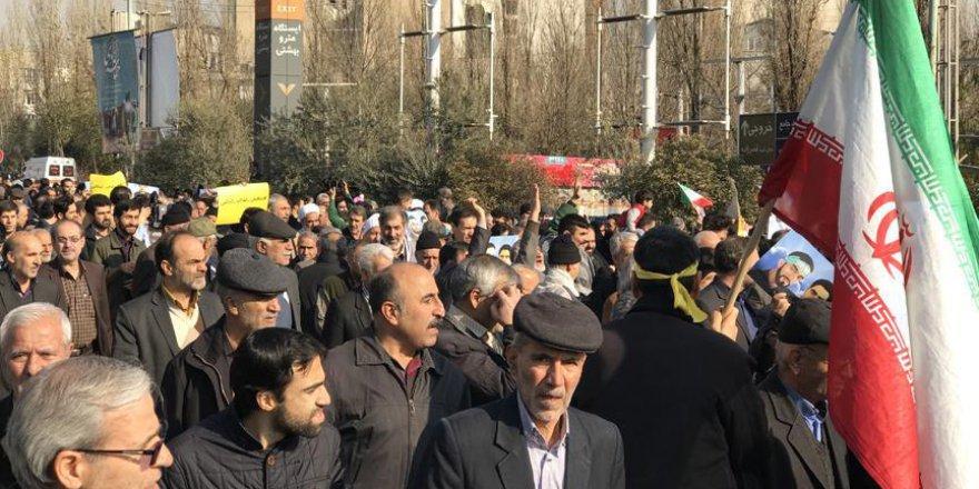 İran'da Kötü Çalışma Şartları Protesto Edildi