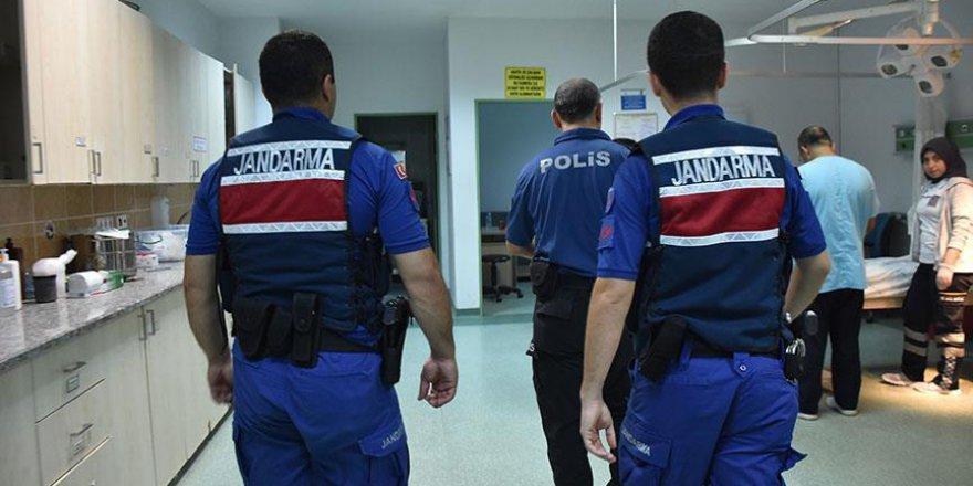Hastanelerde Jandarmalar da Görev Yapmaya Başladı