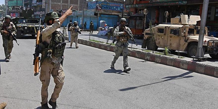 Afganistan'da Canlı Bomba Saldırısı: 3 NATO Askeri Öldü