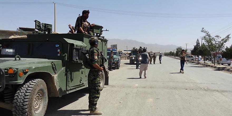 Afganistan'da Taliban Saldırısı: 40 Asker Öldü