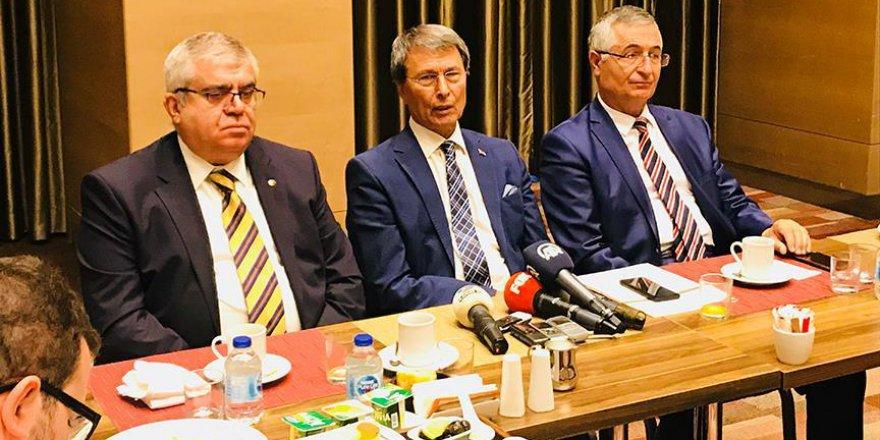 İYİ Parti'nin Üç Kurucu Üyesi İstifa Etti
