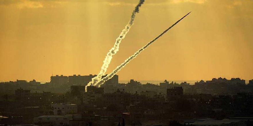 Filistin Direnişi Sderot Yahudi Yerleşkesine Füze Yağdırdı