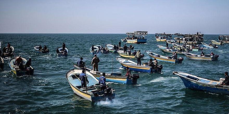 Gazze'de Balıkçıların Avlanma Mesafesi 9 Mile Çıkarıldı