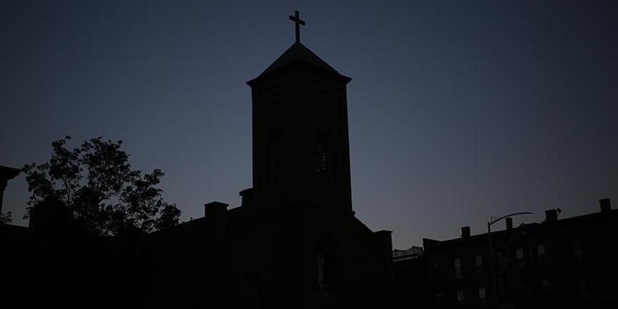 """ABD'de Rahipler Binden Fazla Çocuğa """"Cinsel İstismarda"""" Bulunmuş!"""