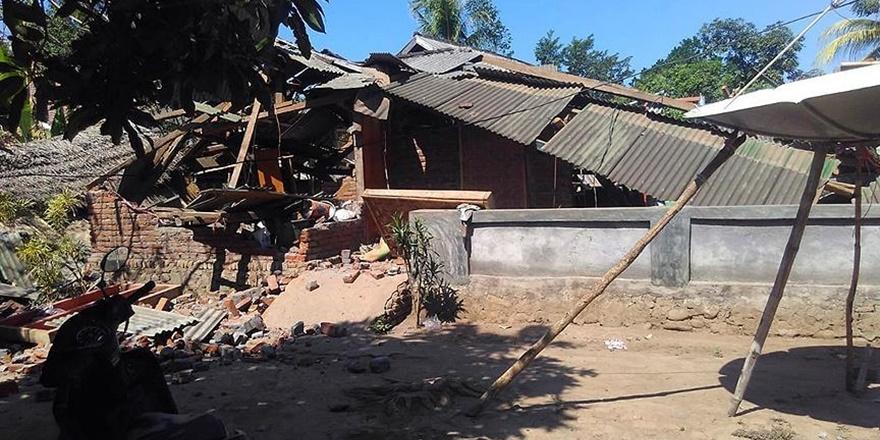 Endonezya'daki Depremler Yine Can Aldı