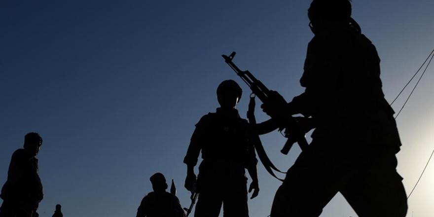 Taliban'dan Uruzgan'daki Askeri Üsse Saldırı: En Az 43 Ölü
