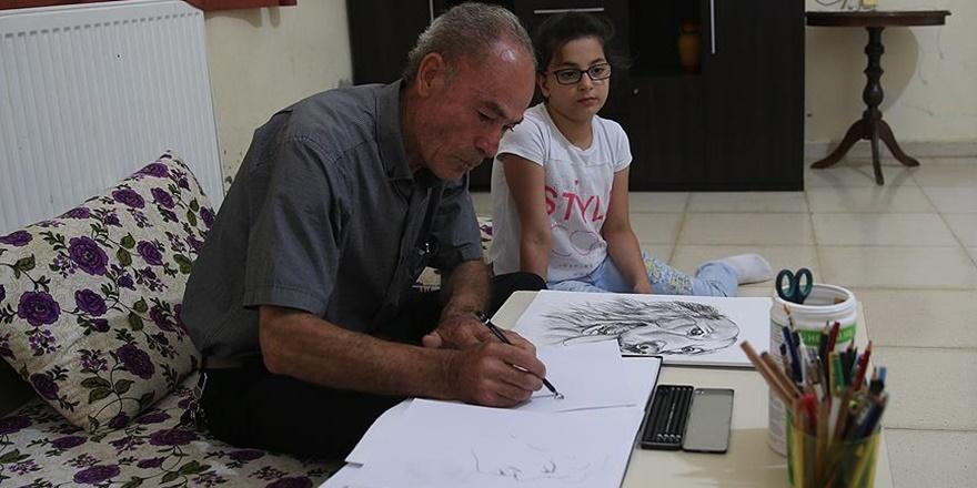 Savaş Mağduru Ressam Suriyeli Çocuklar İçin Çiziyor