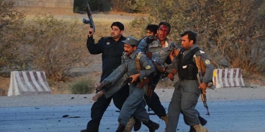 Afganistan'da Taliban'dan Karakollara Saldırı: En Az 29 Ölü