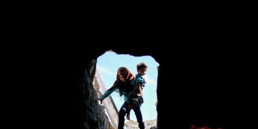 İdlib'de Tünellere Sığınan İnsanlık