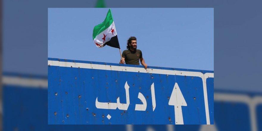 """İdlib'de Cuma Gösterileri: """"Esed'in Gidişinden Başka Seçenek Yok"""""""