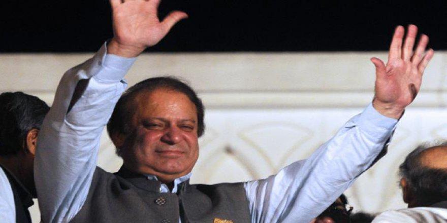 Pakistan Eski Başbakanı Navaz Şerif Serbest Bırakılıyor