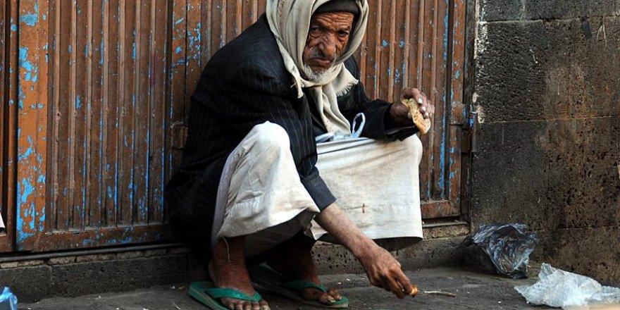 'Yemen'de İnsanlar Kıtlıktan Ot Yemeye Başladı'