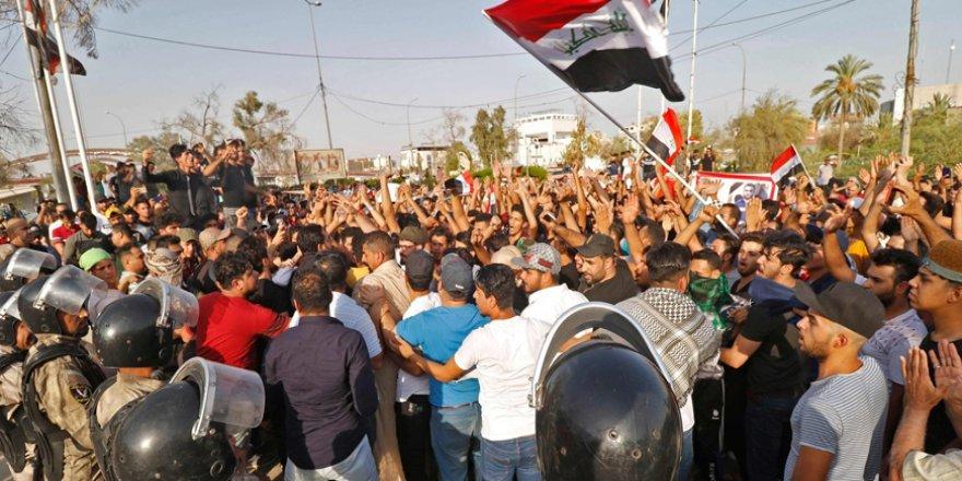 Haşdi Şa'bi Çeteleri Basra'da Göstericileri Tutukluyor