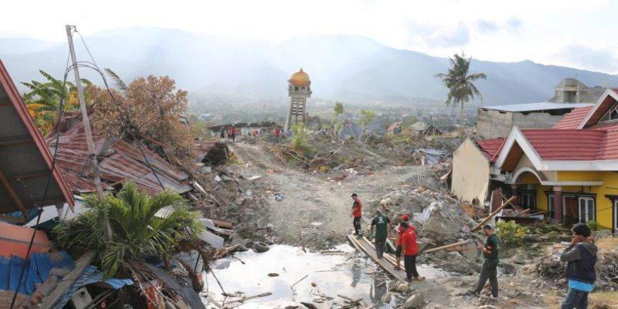 Endonezya'daki Depremde Ölü Sayısı 2 Bine Yaklaştı