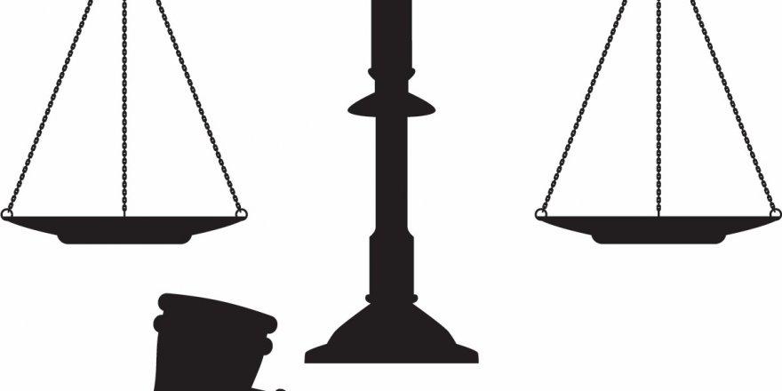 Hukuku Savunurken Bile İlkesizliği İçselleştirmek