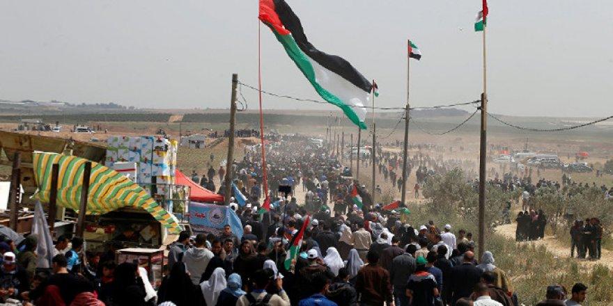 Siyonist İşgalciler 'Büyük Dönüş Yürüyüşü'ne Ateş Açtı: 7 ölü, 154 Yaralı