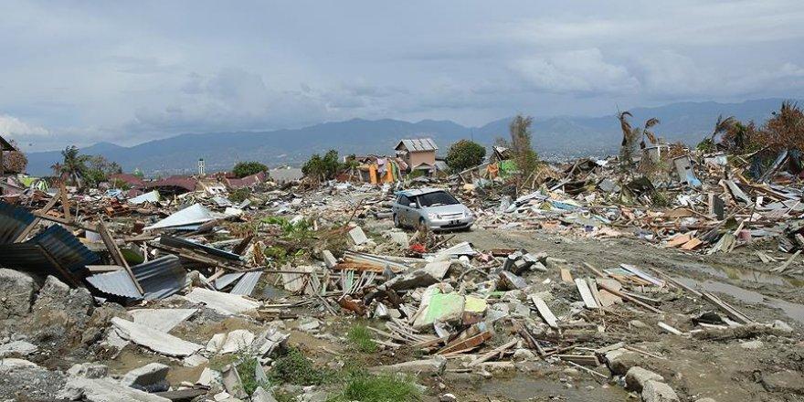 Endonezya Depreminde Ölü Sayısı 2 Bin 256'ya Yükseldi