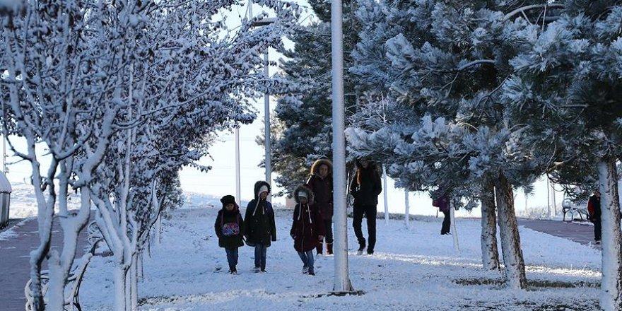 Kar Yağışı Yurtta Etkisini Gösteriyor