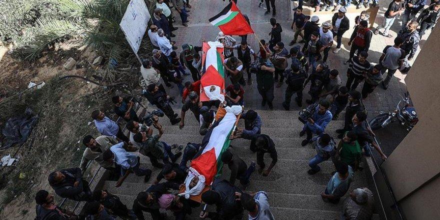 """""""Dünya Gazze'de Üç Çocuğun Öldürülmesi Karşısında Sessiz Kaldı"""""""