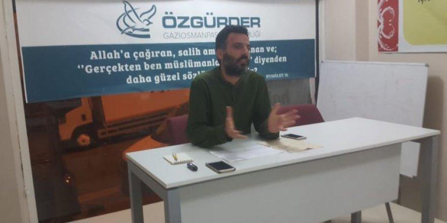 """Gaziosmanpaşa Özgür-Der'de """"İslami Mücadelede Sanat"""" Konuşuldu"""