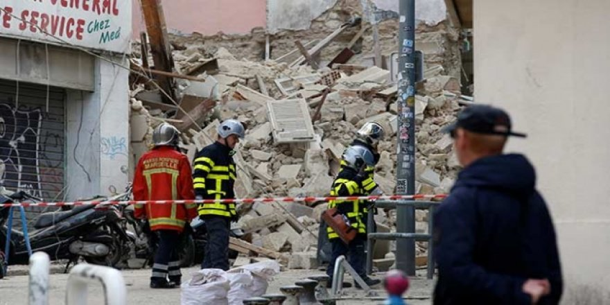 Fransa'da 2 Bina Çöktü: 10 Kişi Kayıp