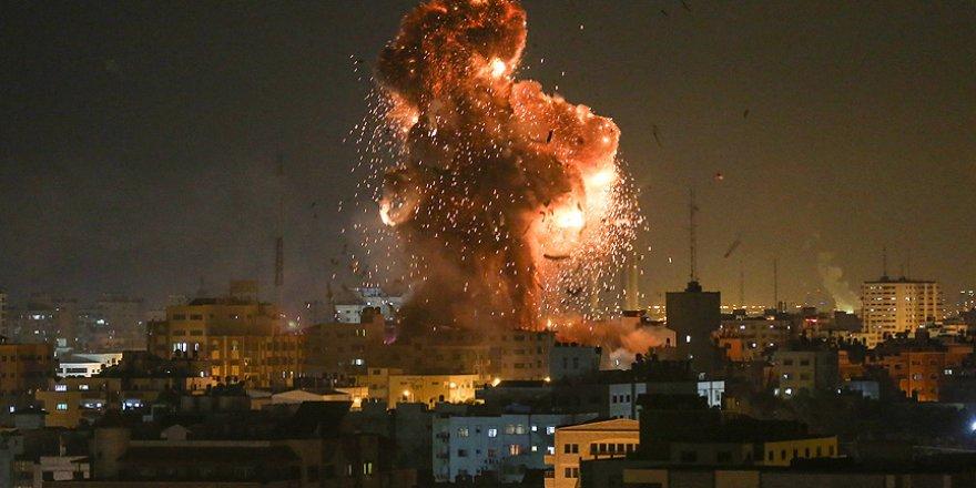 Siyonist İsrail Jetleri El Aksa Televizyonunu Vurdu
