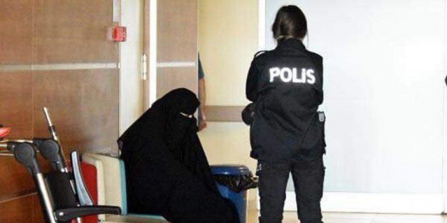 'Atatürk İlah Değildir' Dediği İçin Tutuklanan Emine Şahin Serbest Bırakıldı