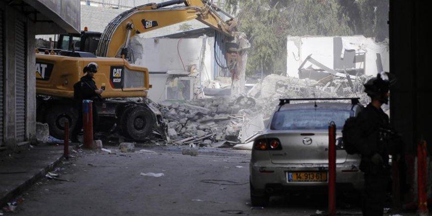 İşgal Güçleri Kudüs'te Filistinlilere Ait 14 Dükkanı Yıktı