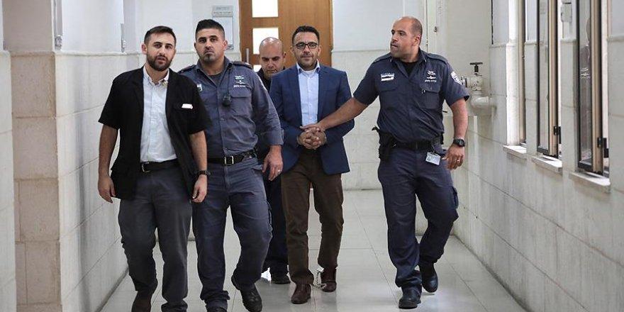 İsrail Kudüs Valisi'ni Yeniden Gözaltına Aldı